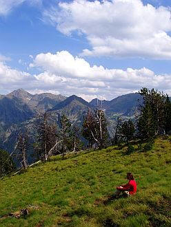 4 weeks spiritual mountain holidays in the Pyrenees mountains